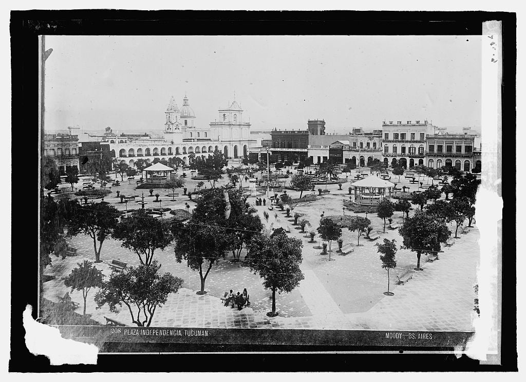 16 x 20 Reprinted Old Photo ofArgentine. Tucuman, Plaza Independencia 1915 National Photo Co  38a