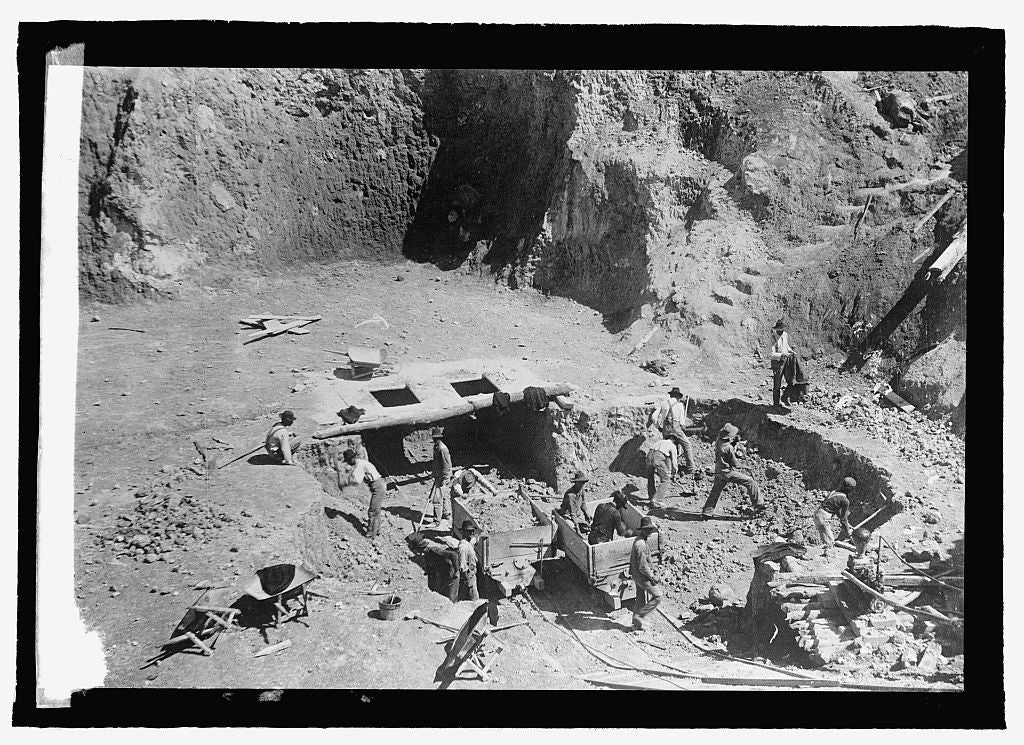 16 x 20 Reprinted Old Photo ofBauxite mine in Missouri, Bauxite is used in making aluminum 1915 National Photo Co  59a