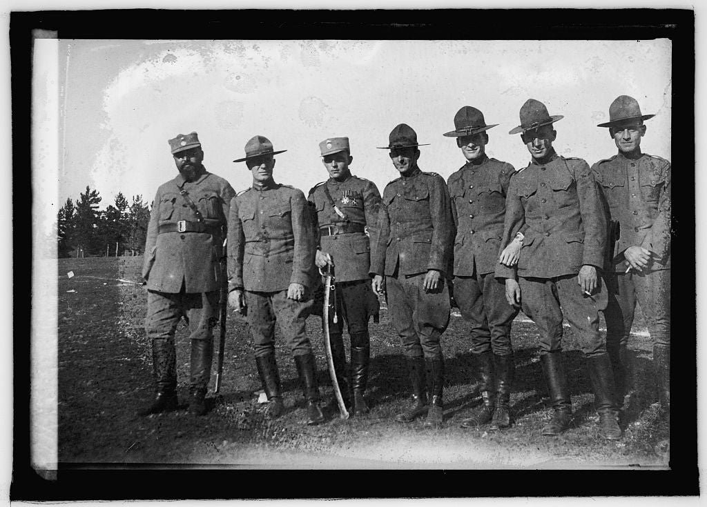 8 x 10 Reprinted Old Photo of American & Czecho-Slovak Officers in Siberia 1920 National Photo Co  45a