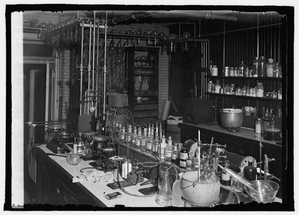 16 x 20 Reprinted Old Photo ofChemical Laboratory, Dilution Div., Bureau of Agrl. Chemistry Dept. 1920 National Photo Co  84a