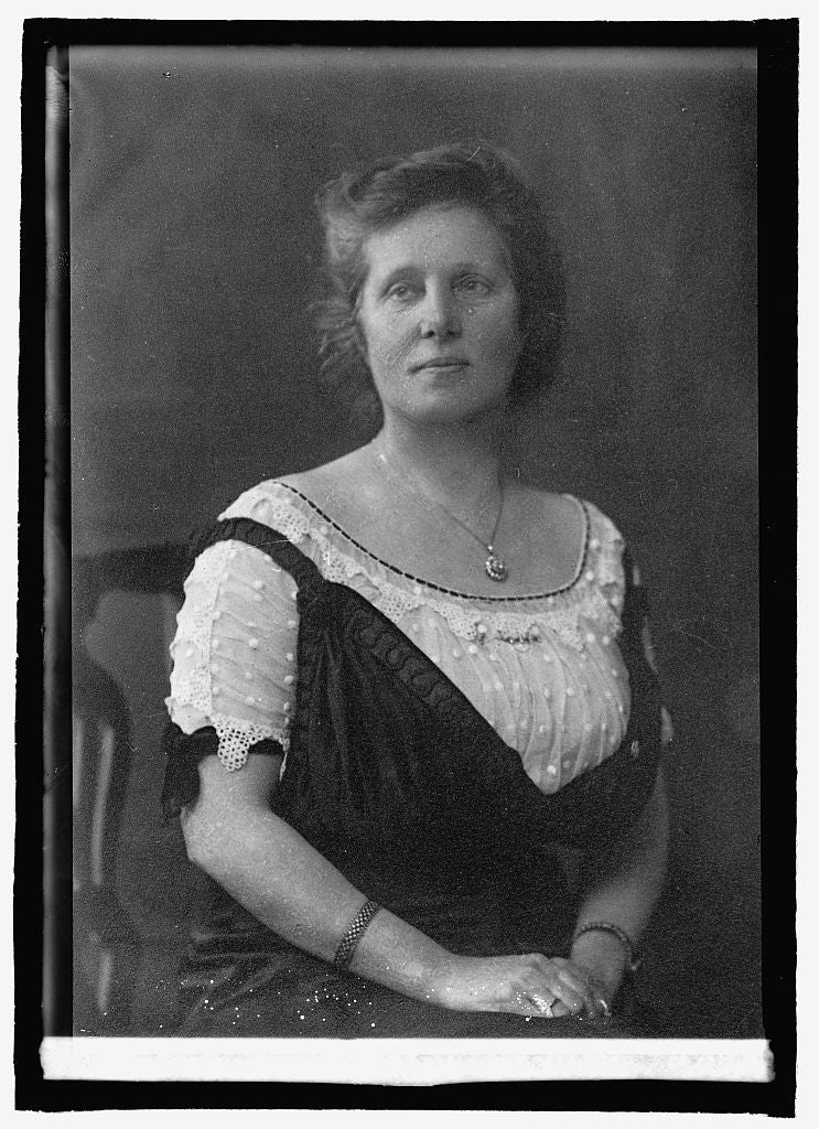 16 x 20 Reprinted Old Photo ofMiss Agnes Slack, England 1920 National Photo Co  04a
