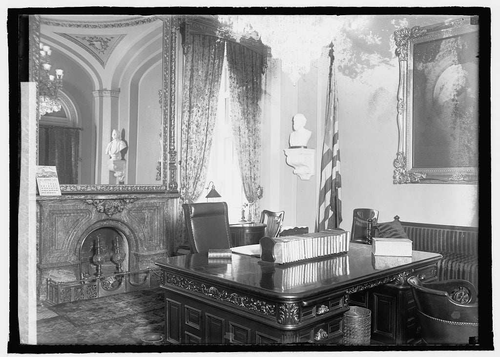 16 x 20 Reprinted Old Photo ofVice Pres. room, Capitol 1920 National Photo Co  32a