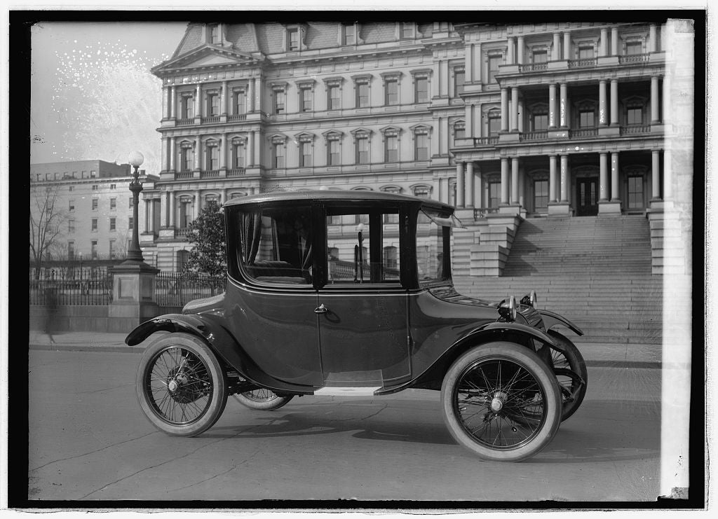 16 x 20 Reprinted Old Photo of Detroit Electric (Sta.) 1921 National Photo Co  91a