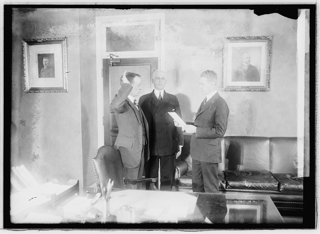 16 x 20 Reprinted Old Photo of Theo. Roosevelt swearing in 1921 National Photo Co  15a
