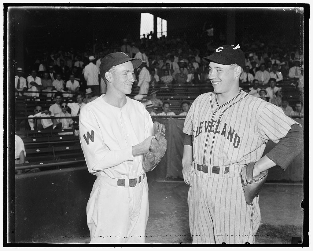 8 x 12 Reprinted Photo of Baseball's boy wonders Washington, D.C., Aug 2. Baseball's wonder boys met for the first time as friendly enemies when Bucky Jacobs, left, Washington's rooki 337 BB_