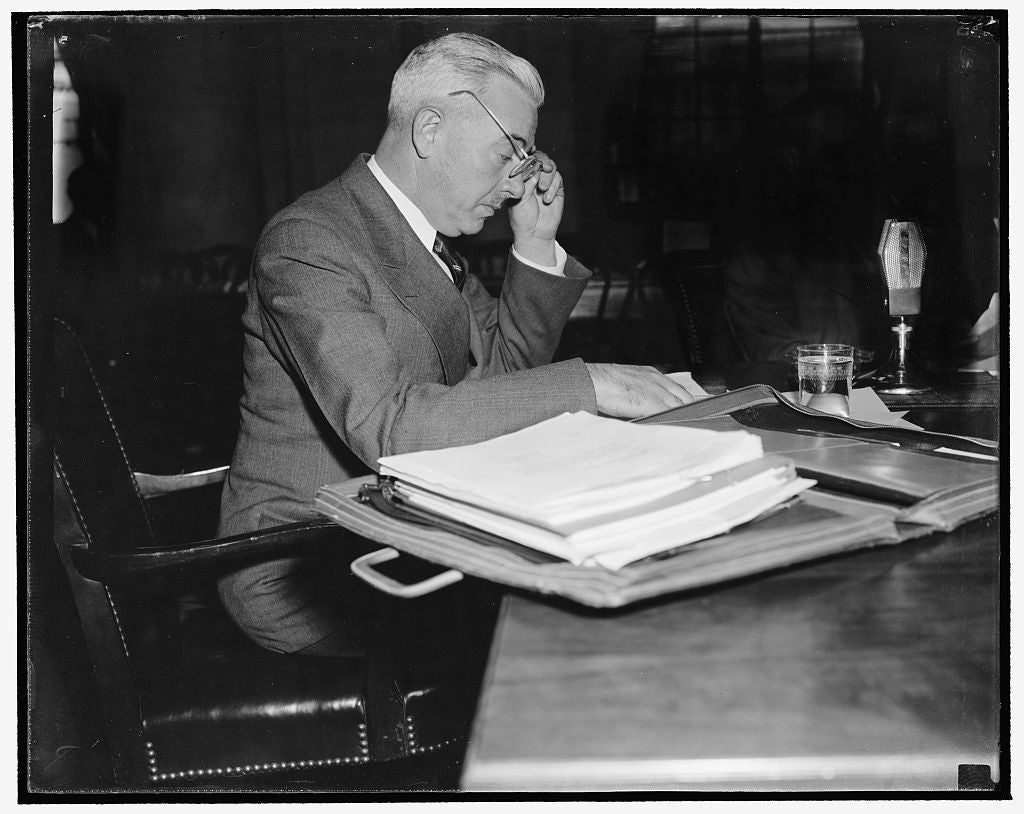 8 x 10 Reprinted Old Photo of Praises Work Of Tva In Combating Disease. Washington, D.C., Nov. 15. Surgeon General Thomas Parran Was The First Witness Today As The Joint Congre 1938 Harris & Ewing 84a