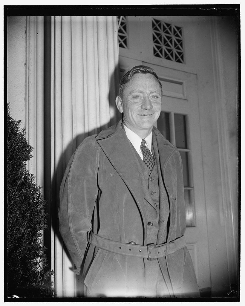 8 x 10 Reprinted Old Photo of S.E.C. Chairman. Washington, D.C., Nov. 18. A New Snap Of William O. Douglas, Chairman Of The Securities And Exchange Commission 1938 Harris & Ewing 11a