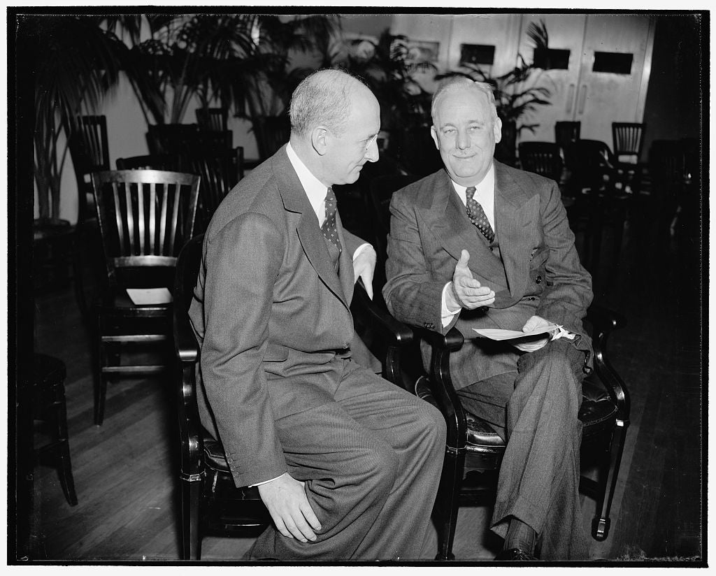 8 x 10 Reprinted Old Photo of Discuss Features Of New Bureau Of Engraving And Printing Annex. Washington, D.C., Nov. 18. Secretary Of Treasury Henry Morgenthau, Left, Discusses 1938 Harris & Ewing 12a