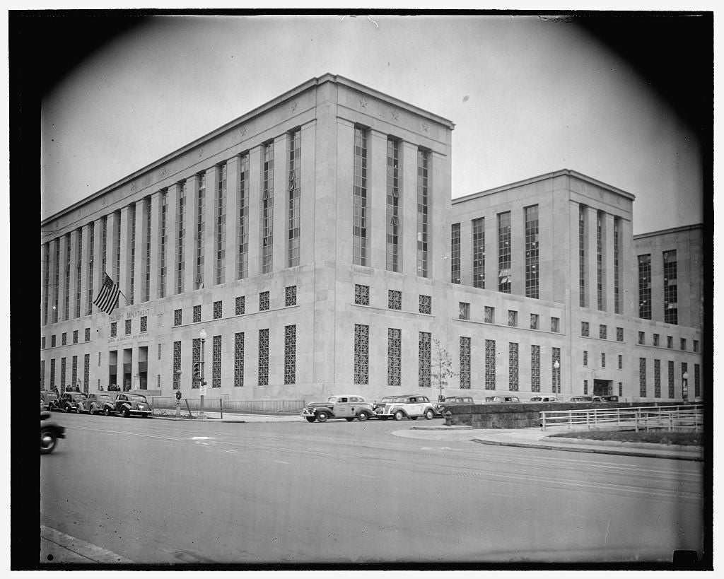 8 x 10 Reprinted Old Photo of New Treasury Annex. Washington, D.C., Nov. 18. The Newly Completed U.S. Treasury Annex Which Will House The Bureau Of Engraving And Printing 1938 Harris & Ewing 13a