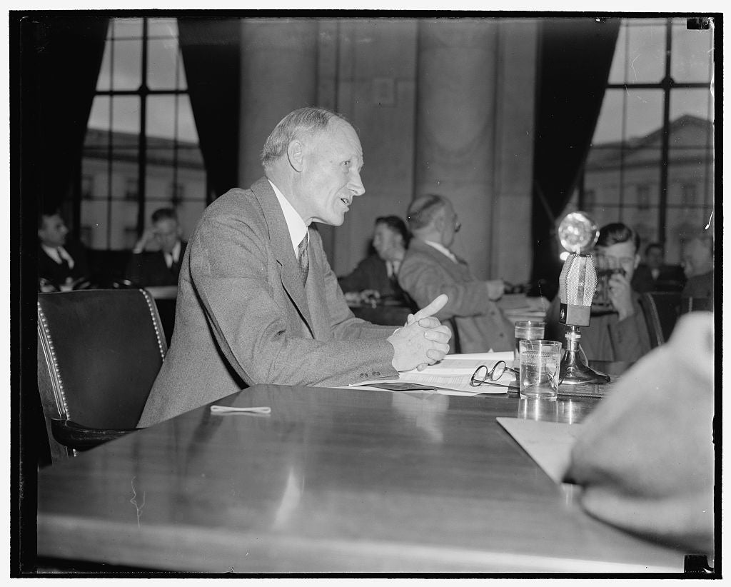 8 x 10 Reprinted Old Photo of Appears Before T.V.A. Committee. Washington, D.C., Nov. 19. Dean Thomas P. Cooper, Of The Univ. Of Kentucky, Told The Tva Committee Today That Tva 1938 Harris & Ewing 22a
