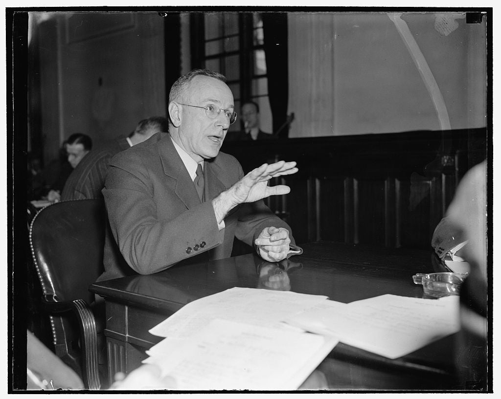 8 x 10 Reprinted Old Photo of Publishing Head Proposes Plan To Senate For Absorbing Bulk Of 11,000,000 Unemployed. Washington, D.C., Nov. 22. Head Of The Curtis Publishing Co.  1938 Harris & Ewing 33a