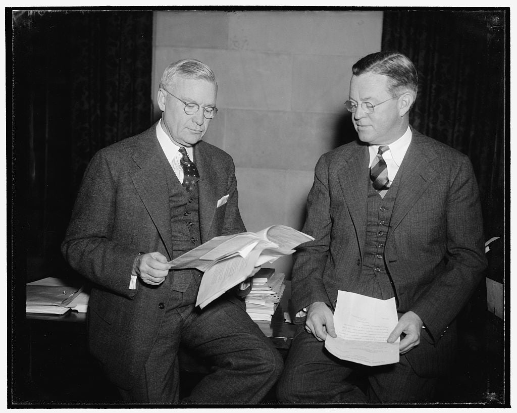 8 x 10 Reprinted Old Photo of Discuss Railroads' Financial Difficulties. Washington, D.C., Nov. 22. George H. Davis, President Of The U.S. Chamber Of Commerce, And Arthur Hill, 1938 Harris & Ewing 36a