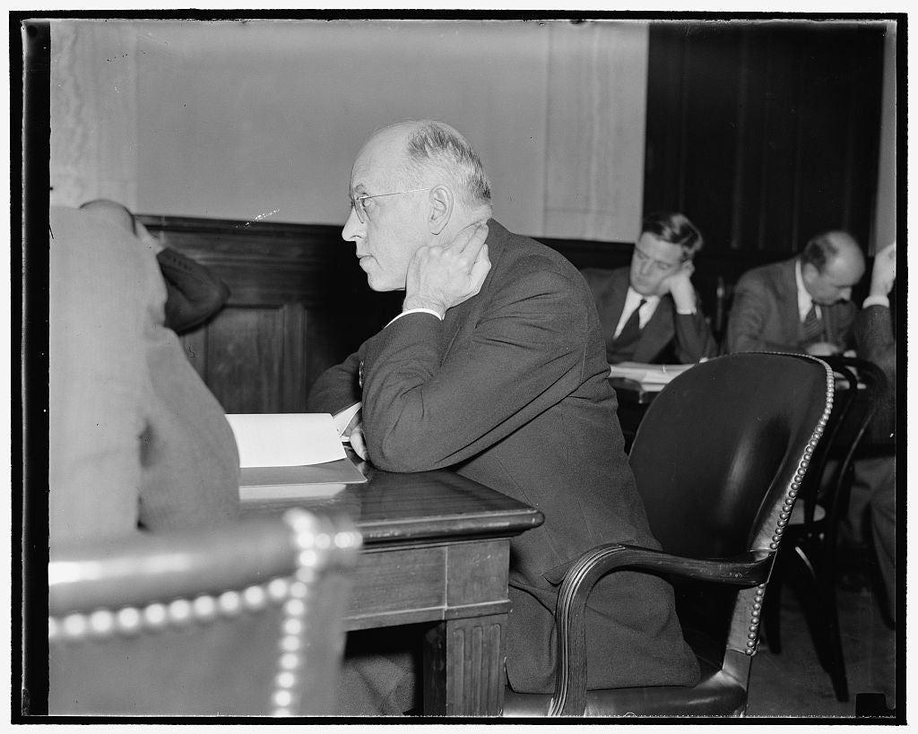 8 x 10 Reprinted Old Photo of Collard Magnate Questioned On Profit Sharing Systems. Washington, D.C., Nov. 30. Testifying Before The Senate Finance Subcommittee Today, R.O. Ken 1938 Harris & Ewing 72a