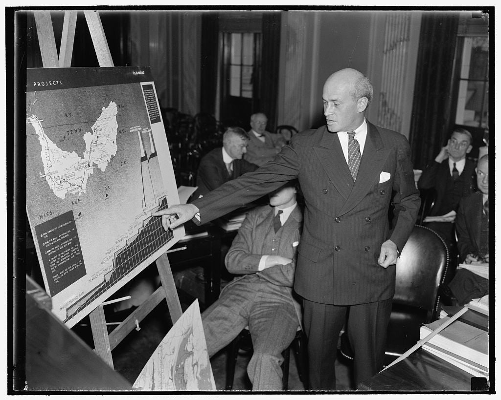 8 x 10 Reprinted Old Photo of Denies Tva Flood Control Plan Did Not Work. Washington, D.C., Dec. 2. Appearing Before The Joint Congressional Committee Investigating Tva, Theodo 1938 Harris & Ewing 11a