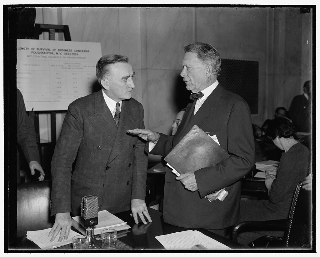 8 x 10 Reprinted Old Photo of Experienced Advice. Washington, D.C., Dec. 3. The Advice Of Senator William E. Borah, Who Has Participated In Many Senate Investigations In His 31 1938 Harris & Ewing 19a