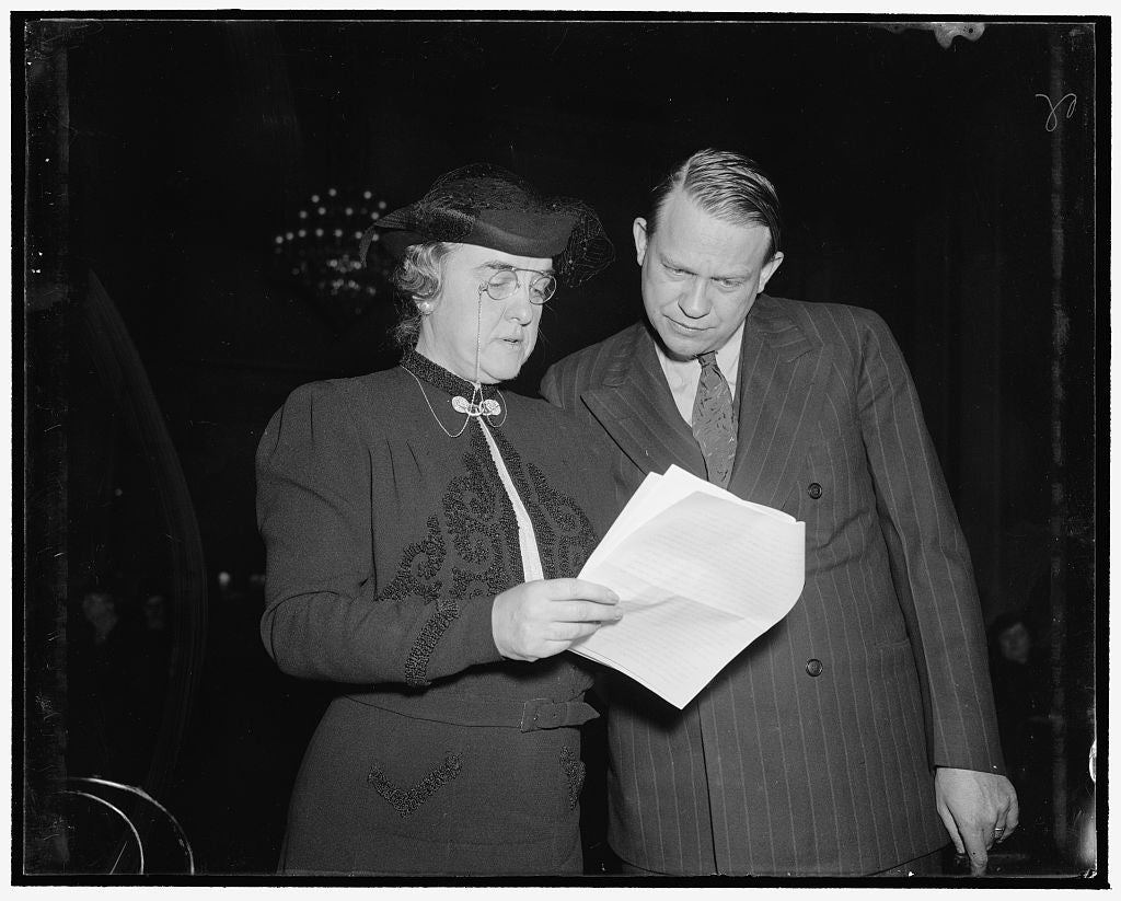 8 x 10 Reprinted Old Photo of Study D.A.R. Program To Promote Americanism. Washington, D.C., Dec. 9. Mrs. Henry M. Robert, Jr., President General Of The Daughters Of The Americ 1938 Harris & Ewing 49a