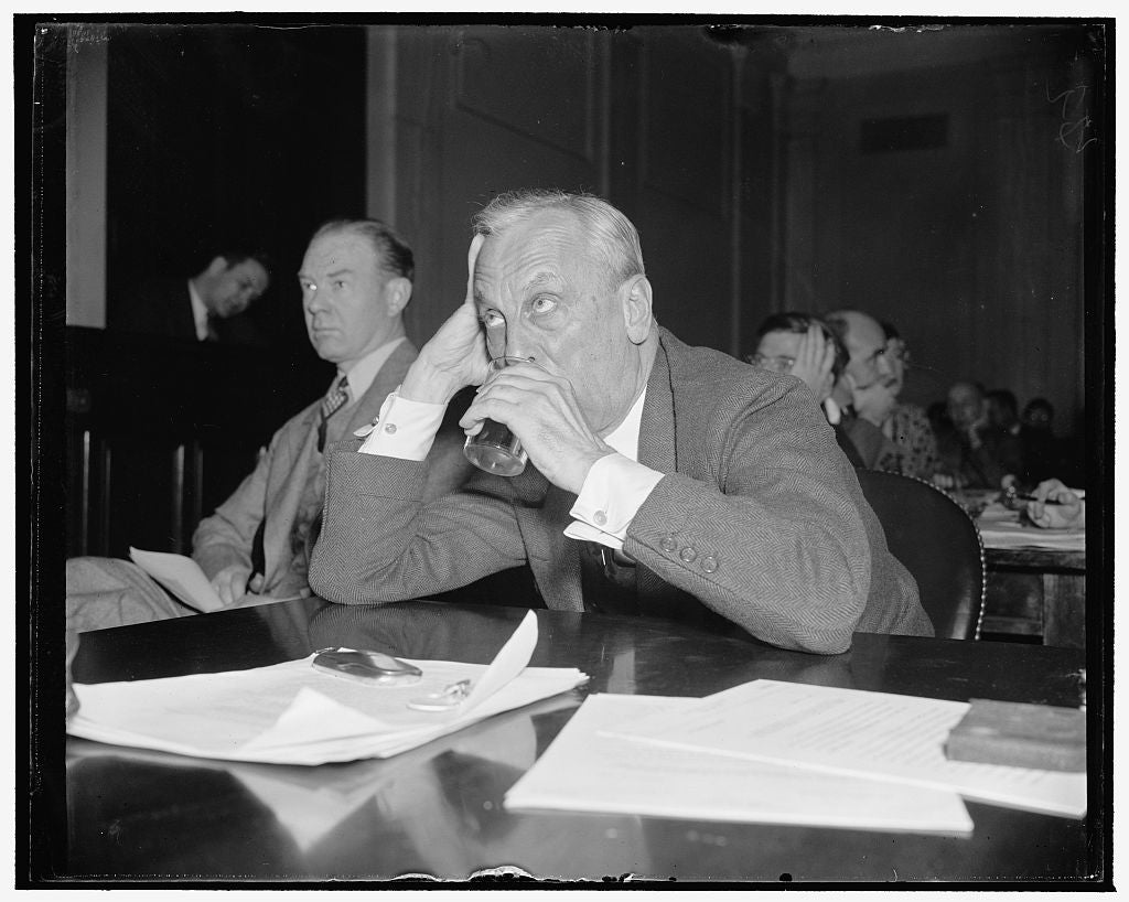 8 x 10 Reprinted Old Photo of Reduce Taxes On Business, Gmc Executive Tells Senate Committee. Washington, D.C., Dec. 9. Alfred P. Sloan, Jr., Chairman Of The General Motors Cor 1938 Harris & Ewing 54a