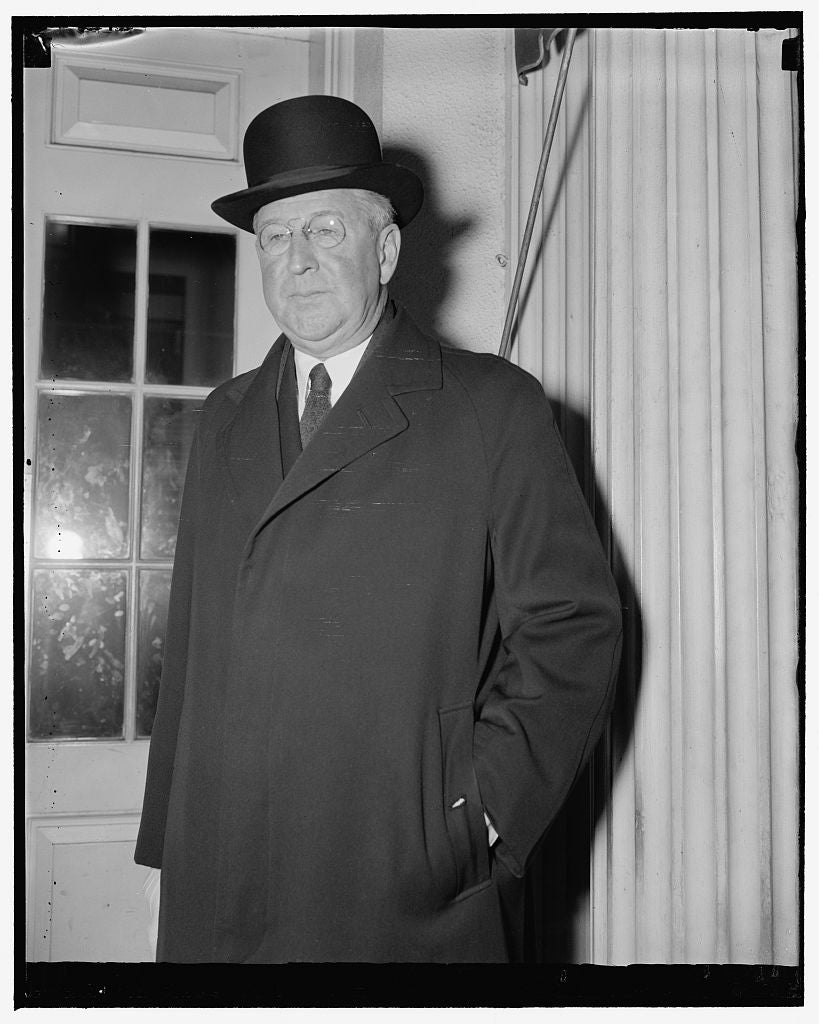 8 x 10 Reprinted Old Photo of U.S. Envoy To Argentine. Washington, D.C., Dec. 10. Alexander Weddell, American Ambassador To The Argentine, Was A Recent White House Caller. He I 1938 Harris & Ewing 58a