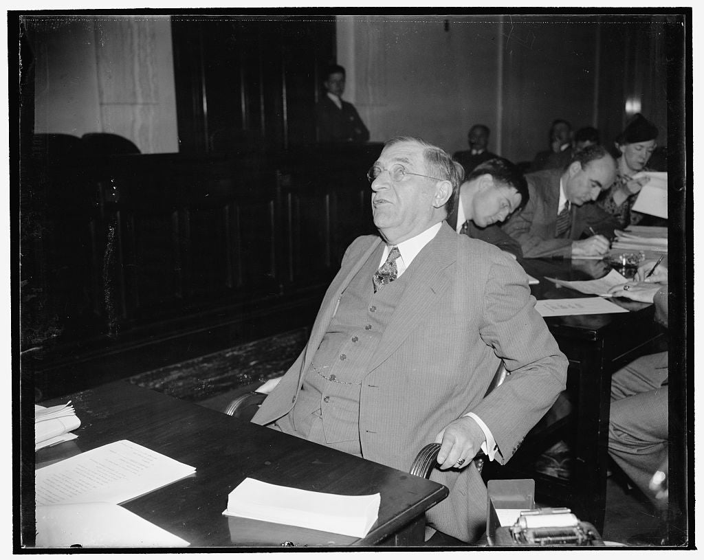8 x 10 Reprinted Old Photo of Senate Committee Told Railroads Should Spend 3 Billion In The Next Five Years For Habilitation. Washington, D.C., Dec. 12. Appearing Before The Se 1938 Harris & Ewing 66a