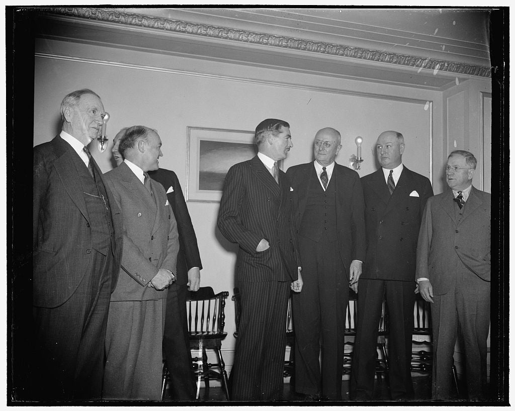 8 x 10 Reprinted Old Photo of Cabinet Members Chat With Anthony Eden. Washington, D.C., Dec. 13. Anthony Eden's Chat With Members Of President Roosevelt's Cabinet Seemed To Hav 1938 Harris & Ewing 72a