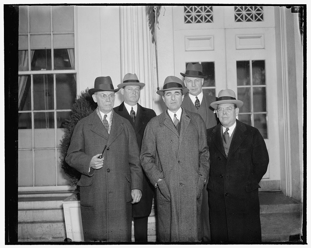 8 x 10 Reprinted Old Photo of Bankers Offer President Cooperation On Banking Problems. Washington, D.C., Dec. 20. President Philip A. Benson Of The American Bankers Association 1938 Harris & Ewing 99a