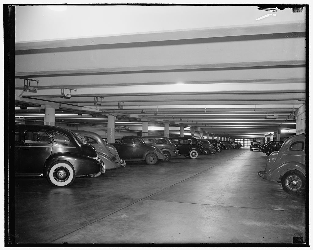 8 x 10 Reprinted Old Photo of U.S. Senate Garage 1939 Harris & Ewing 05a