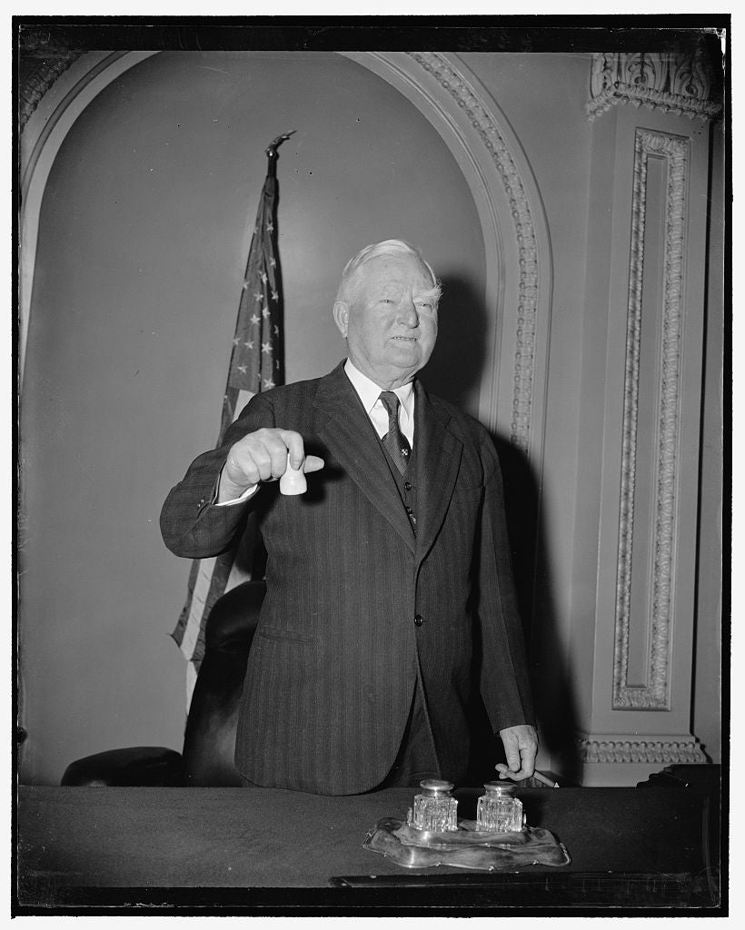 8 x 10 Reprinted Old Photo of Vice President Ready For Opening. Washington, D.C., Dec. 29. A Sure Sign That Congress Is Ready To Convene On January 3. Vice President Garner Pos 1938 Harris & Ewing 65a
