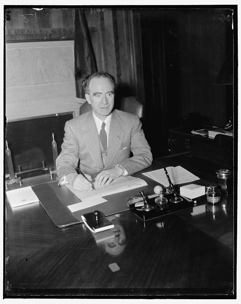 8 x 10 Reprinted Old Photo of New Attorney General Begins Duties. Washington, D.C., Jan. 3. The New Attorney General Frank Murphy Pictured At His Desk In The Department Of Just 1937 Harris & Ewing 03a
