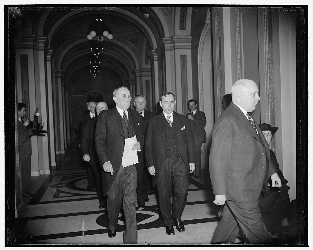 8 x 10 Reprinted Old Photo of Republican House Leader Praises Speaker Bankhead As 76Th Congress Convenes. Washington, D.C., Jan. 3. Speaker William Bankhead, Left, Was Today Ch 1937 Harris & Ewing 11a