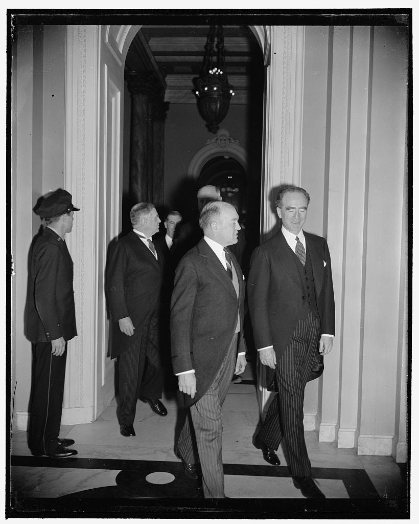 8 x 10 Reprinted Old Photo of Cabinet Arrives To Hear President Address 76Th Congress. Washington, D.C., Jan. 4. Led By Secretary Of War Woodring And The New Attorney General F 1937 Harris & Ewing 18a