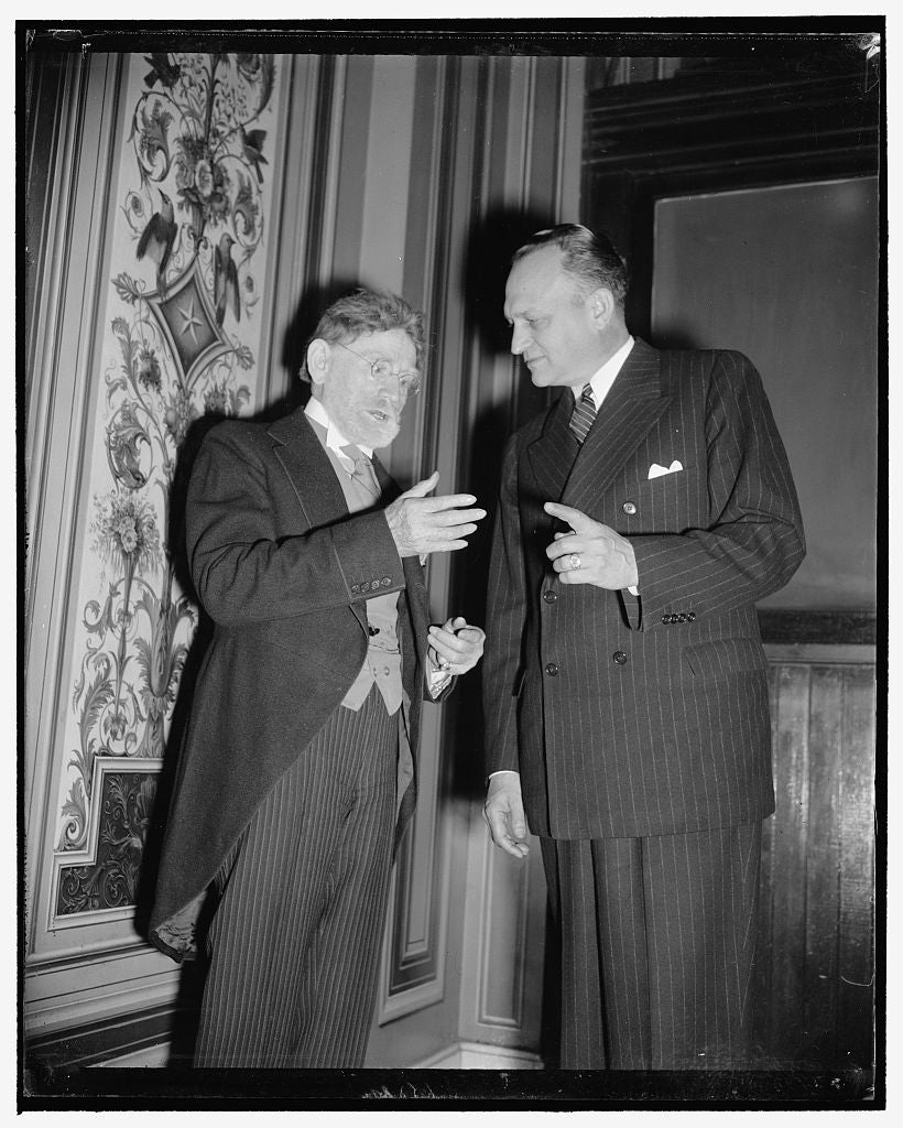 8 x 10 Reprinted Old Photo of J. Hamilton Lewis & Scott Lucas, Senators From Illinois 1940 Harris & Ewing 32a