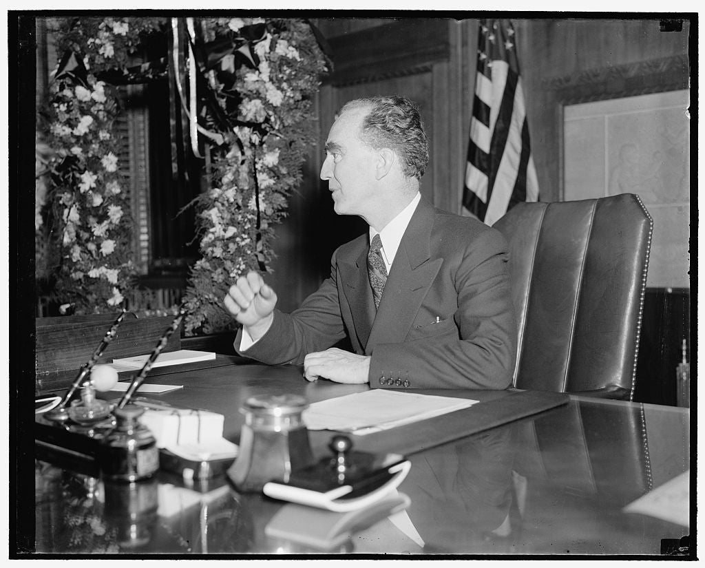 8 x 10 Reprinted Old Photo of Attorney General. Washington, D.C., Ja. 6. A New Informal Photograph Of Attorney General Frank Murphy Made In His Office Today, 1/6/39 1937 Harris & Ewing 40a
