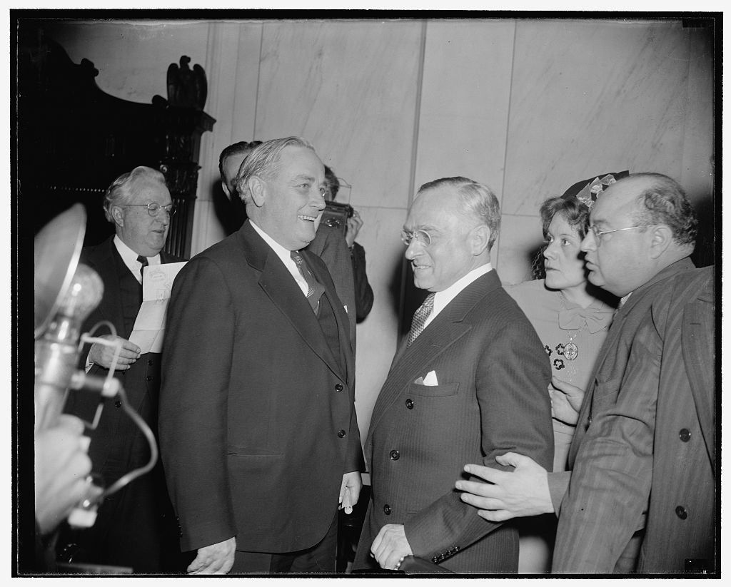 8 x 10 Reprinted Old Photo of Frankfurter Critic Passes By. Washington, D.C., Jan. 12. Probably It Was Just A Coincidence That Mrs. Elizabeth Dilling, Right, Anti- Communist Au 1939 Harris & Ewing 13a