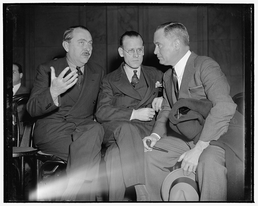 8 x 10 Reprinted Old Photo of Television Inventor Tells Economic Committee Of Difficulties In Getting Patents. Washington, D.C., Jan. 19. Philo T. Farnsworth, Who Conceived The 1939 Harris & Ewing 56a