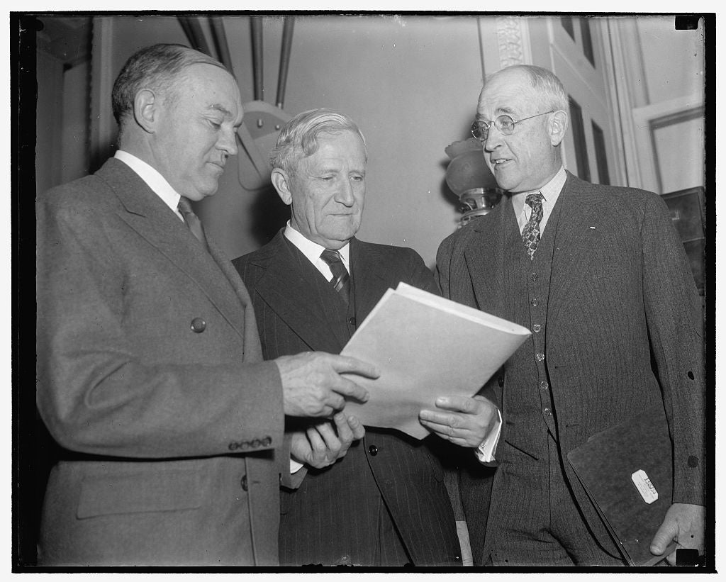 8 x 10 Reprinted Old Photo of Veteran Texas Senator. Washington, D.C., Jan. 18. A New Informal Photo Of Senator Morris Sheppard Of Texas, 1/18/39 1939 Harris & Ewing 61a