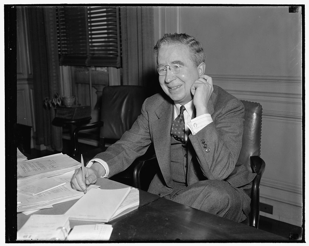 8 x 10 Reprinted Old Photo of James Fitzgerald. Chief Of Pres. Relations, Labor Dept. 1939 Harris & Ewing 63a
