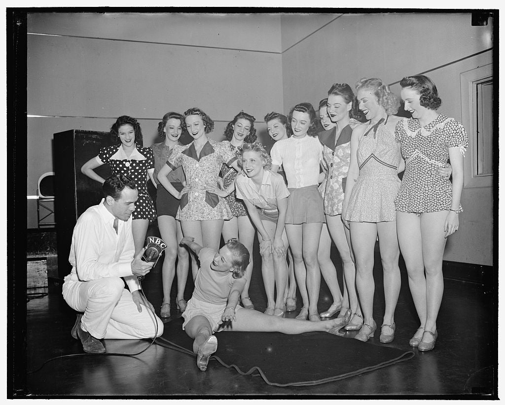 8 x 10 Reprinted Old Photo of Nbc G Dancing Class 1940 Harris & Ewing 85a