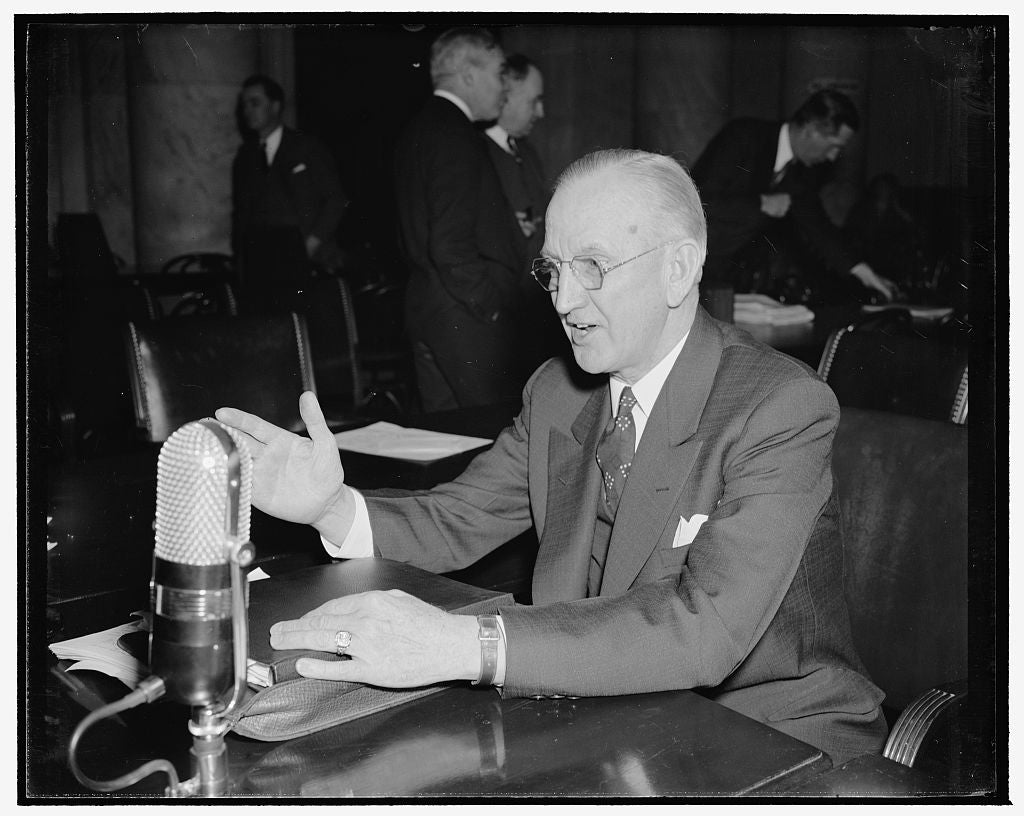 8 x 10 Reprinted Old Photo of Clarence C. Carlton, Prez. Of Motor Wheel Corp. Test Filed Before National Economic Committee, 1/19/39 1939 Harris & Ewing 04a