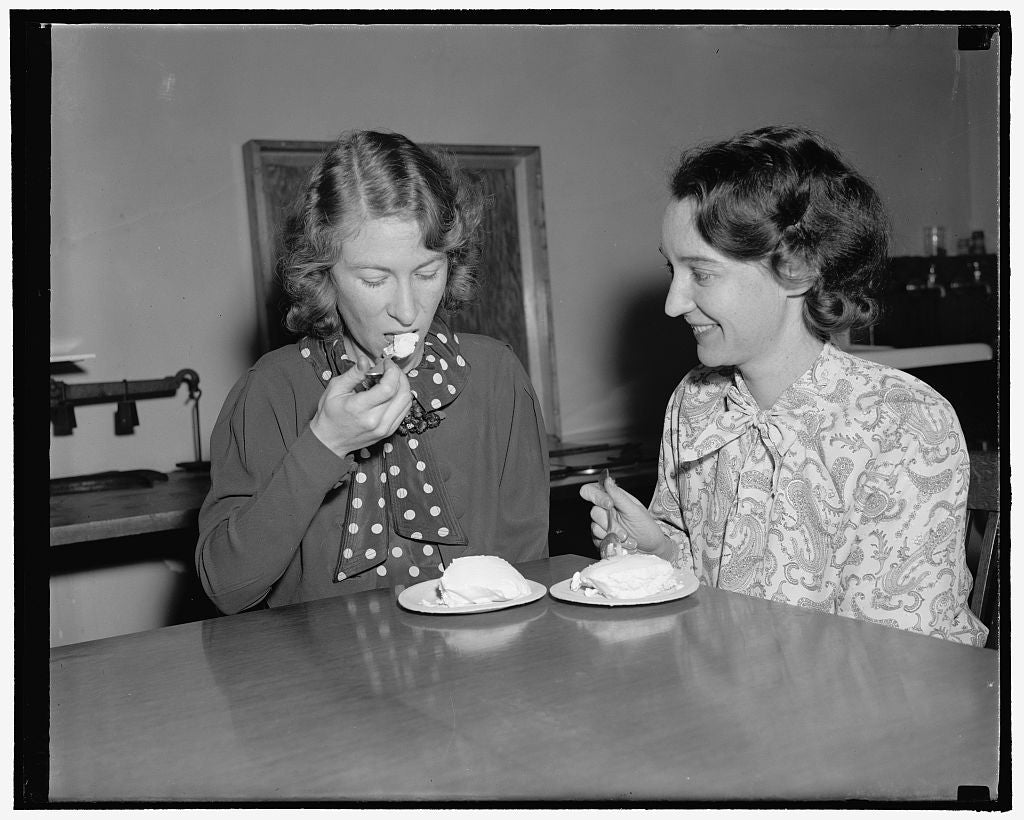 "8 x 10 Reprinted Old Photo of ""Taste Test"" Of Ice Cream Made From Salt Preserved Cream. Method For Preserving Cream. 6. The Preserved Cream Makes Tasty Ice Cream As This Pictur 1937 Harris & Ewing 28a"