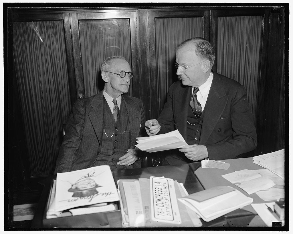 8 x 10 Reprinted Old Photo of F.C.C. Chairman And Senator Wheeler Frame Legislation To Reduce Membership Of F.C.C. Washington, D.C., Jan. 25. Frank Mcninch, Chairman Of The Fed 1937 Harris & Ewing 38a