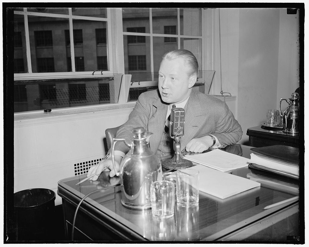 8 x 10 Reprinted Old Photo of Dr. Frank N. Stanton, Manager, Market Research Division, Columbia Broadcasting System, New York 1937 Harris & Ewing 62a