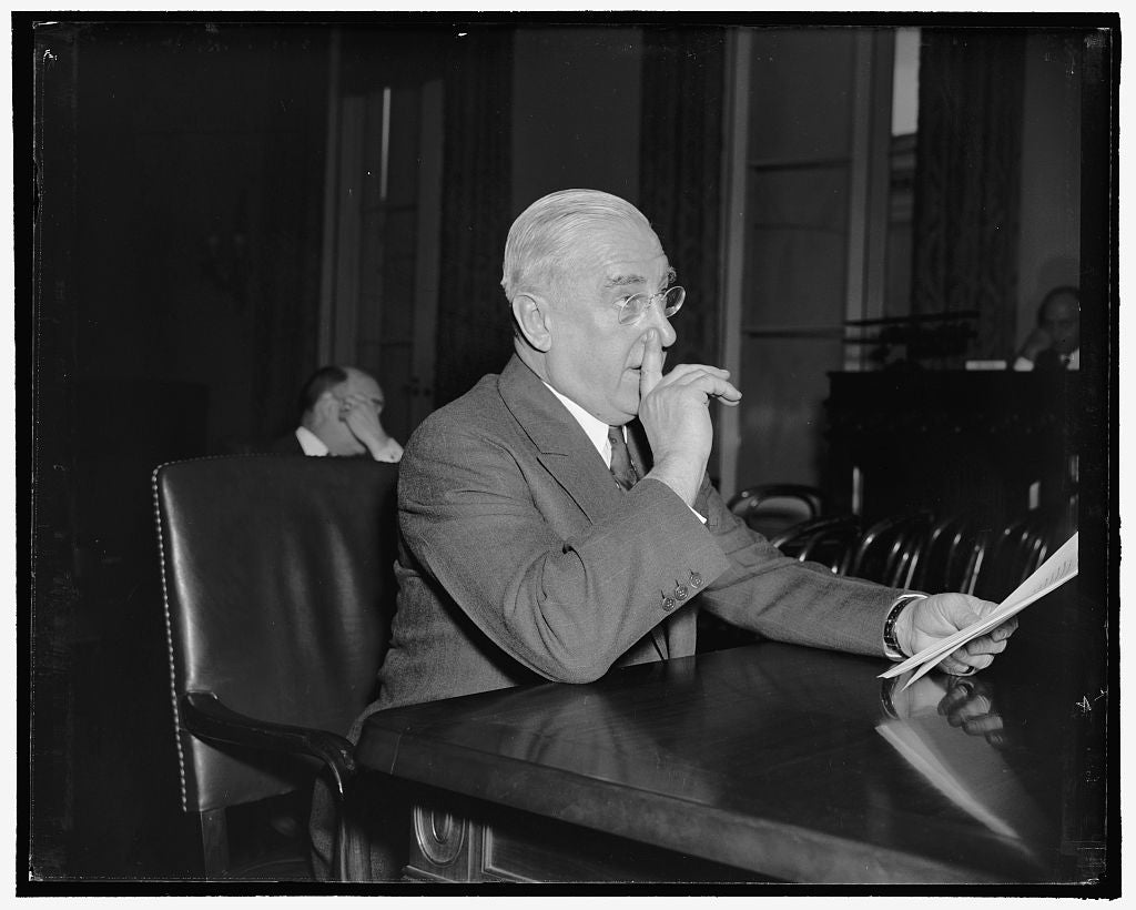 8 x 10 Reprinted Old Photo of Proposes Air Defense Cabinet Separate From Army And Navy. Washington, D.C., Jan. 31. Kern Dodge, President Of The Air Defense League, Appearing Be 1937 Harris & Ewing 69a