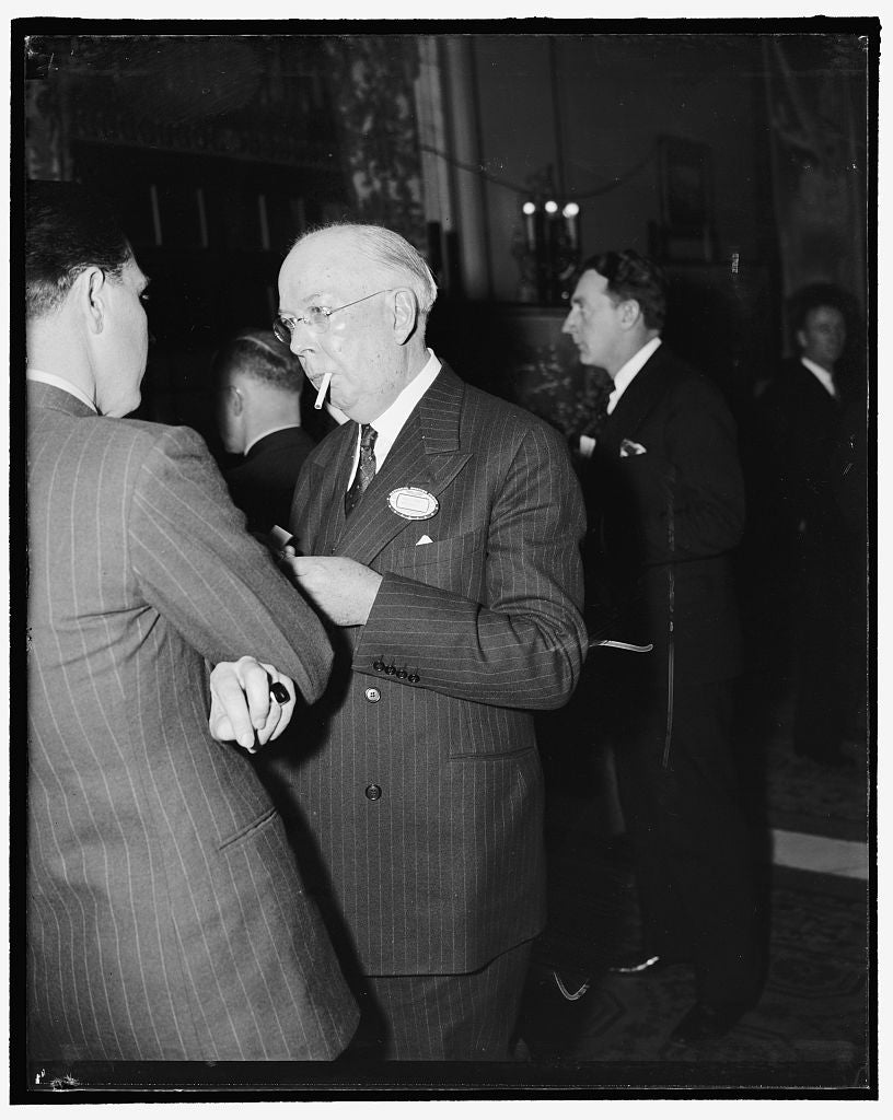 8 x 10 Reprinted Old Photo of Washington, D.C., Feb. 21. Thomas H. Beck, President Of The Crowell Publishing Co., Snapped At The National Aviation Forum Today At The Mayflower  1938 Harris & Ewing 83a