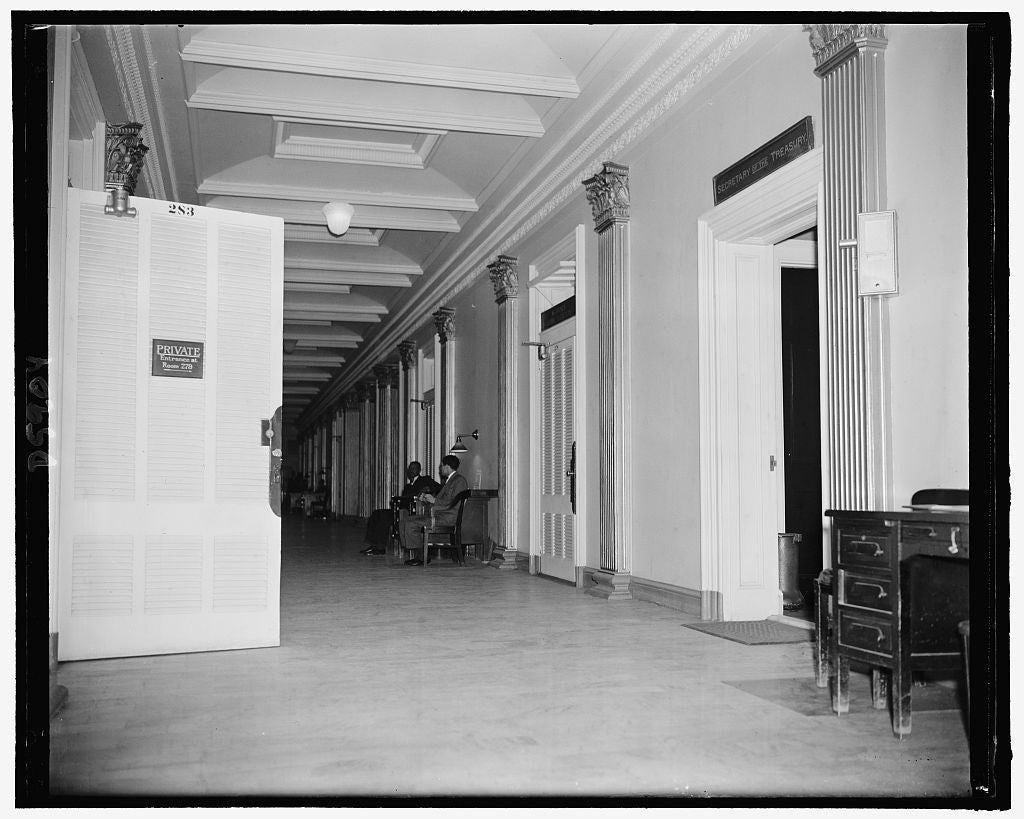 8 x 10 Reprinted Old Photo of Office Of Archie Lockhead 283 Opposite That Of Secy. Of Treasury, 2-23-39 1939 Harris & Ewing 06a