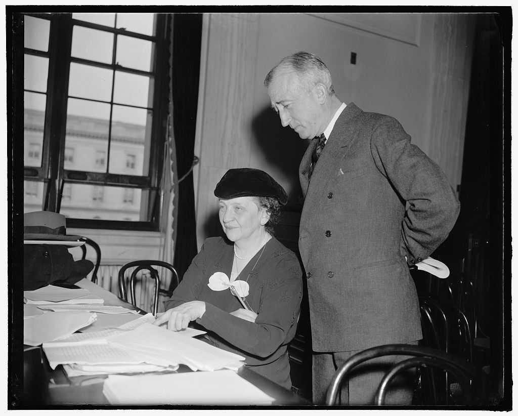 8 x 10 Reprinted Old Photo of Secretary Of Labor Frances Perkins With Unidentified 1937 Harris & Ewing 31a