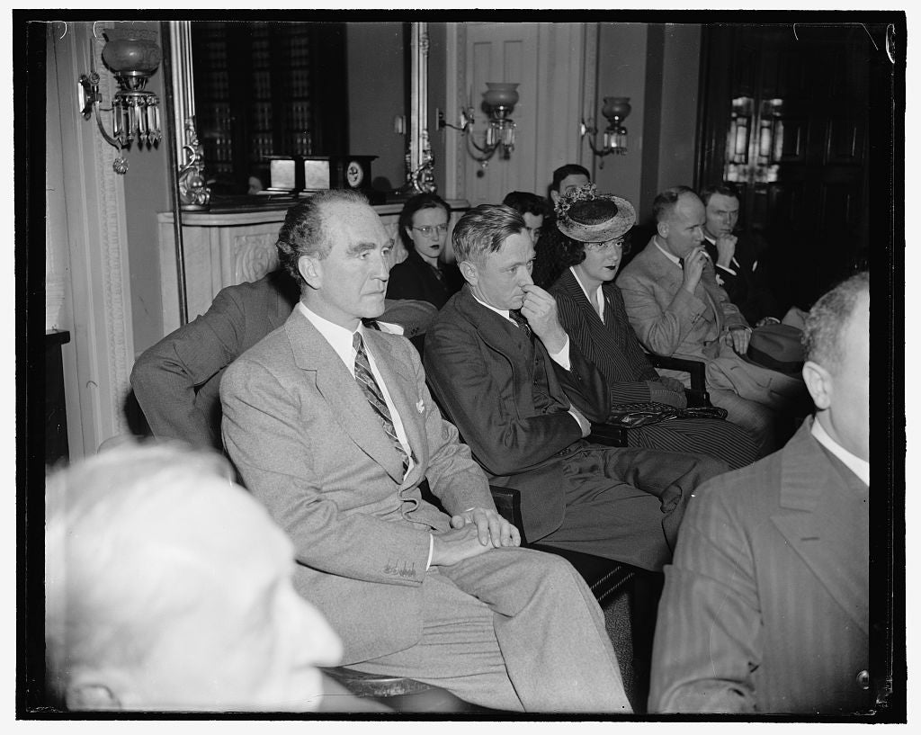8 x 10 Reprinted Old Photo of Attorney General Accompanies Douglas To Judiciary Committee Hearing. Washington, D.C., March 24. Attorney General Frank Murphy Was A Surprise Visi 1937 Harris & Ewing 55a