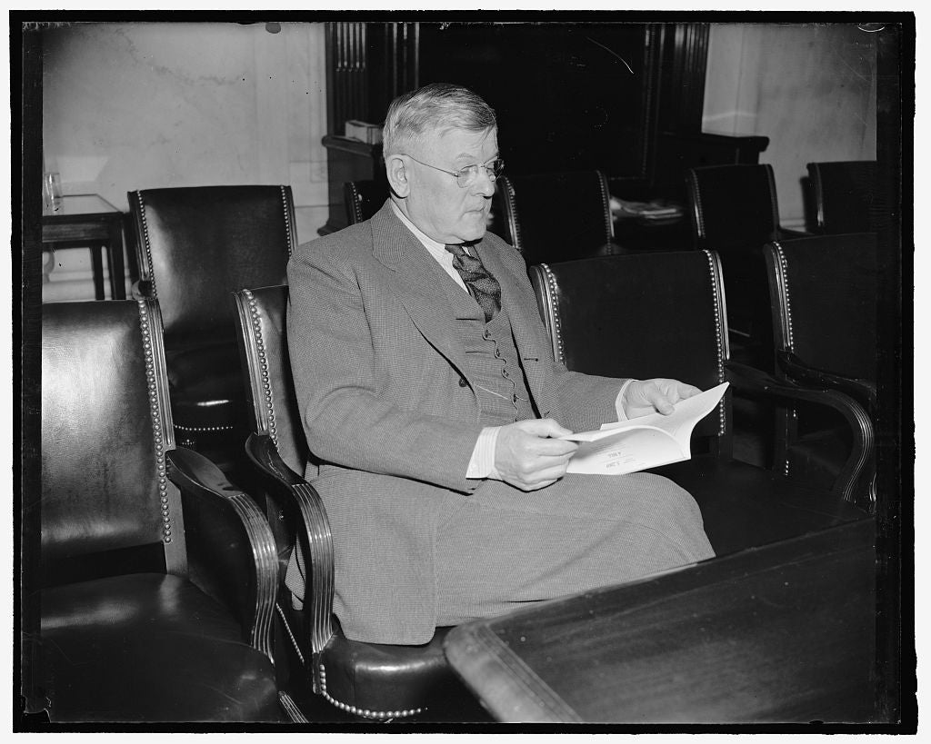 8 x 10 Reprinted Old Photo of Senator From Wyoming. Washington, D.C., April 4. Senator H.H. Schwartz, Democrat Of Wyoming, From A New Informal Picture Made Today At The Capitol 1939 Harris & Ewing 07a