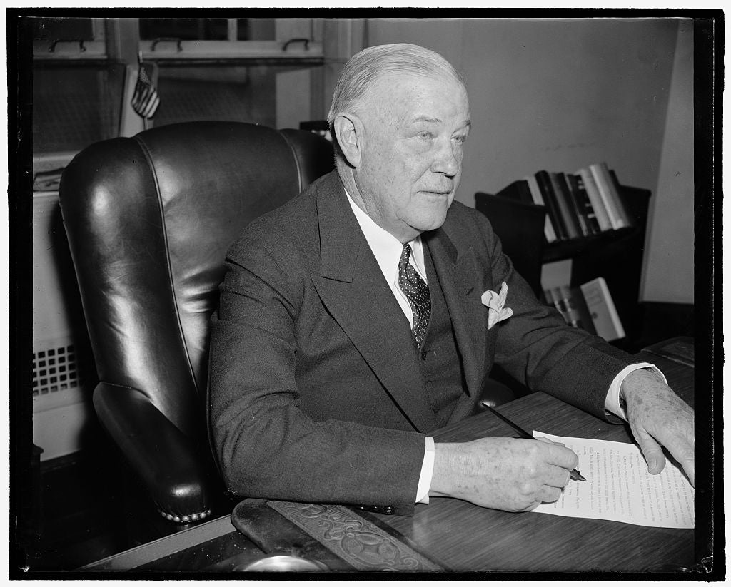 8 x 10 Reprinted Old Photo of New Fcc Commissioner. Washington, D.C., April 13. Frederick I. Thompson, Recently Named A Member Of The Federal Communications Commission, Photogr 1938 Harris & Ewing 70a