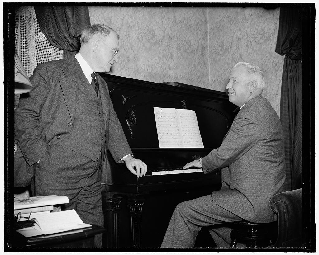 8 x 10 Reprinted Old Photo of Iowa Senator Plays Swan Song. Washington, D.C., April 14. Perhaps Not So Accomplished Musically As In Matters Of State Is Senator Guy Gillette Of  1938 Harris & Ewing 73a