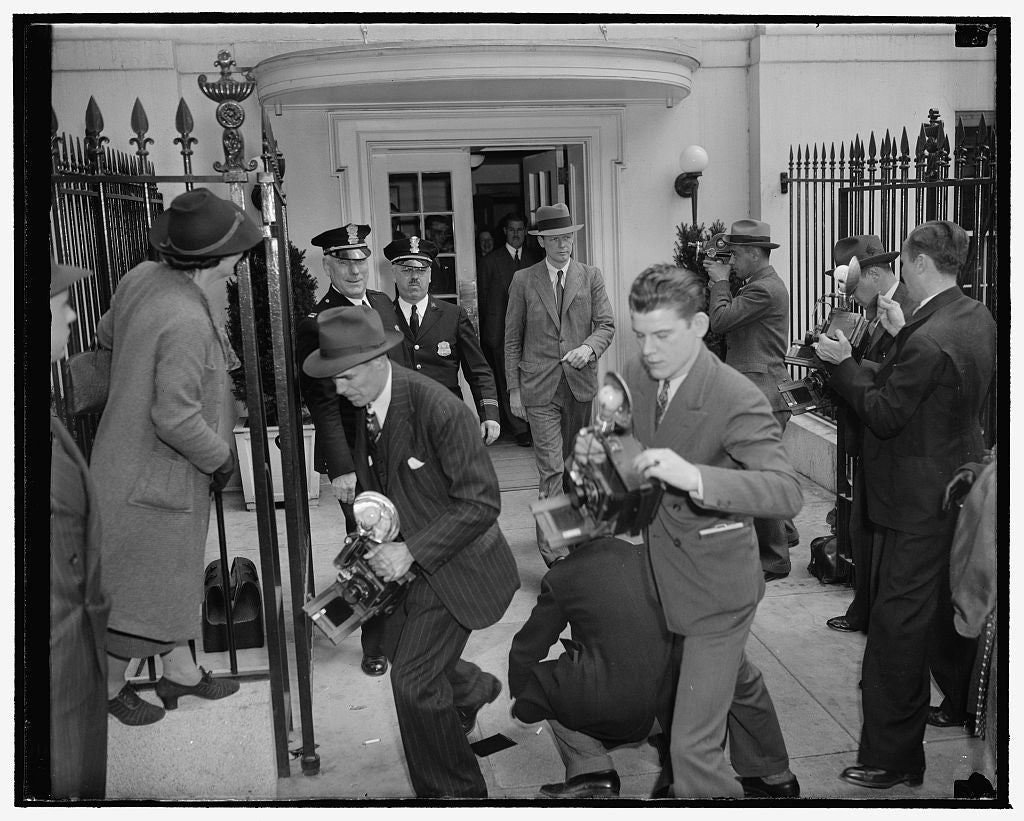 8 x 10 Reprinted Old Photo of Lindbergh Stymied By Photographers. Washington, D.C., April 20. Camera-Shy Col. Charles A. Lindbergh Leaving The White House After A Conference Wi 1938 Harris & Ewing 11a